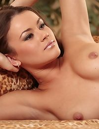 Crestfallen Hottie - Surely Remarkable Unaffected Nudes
